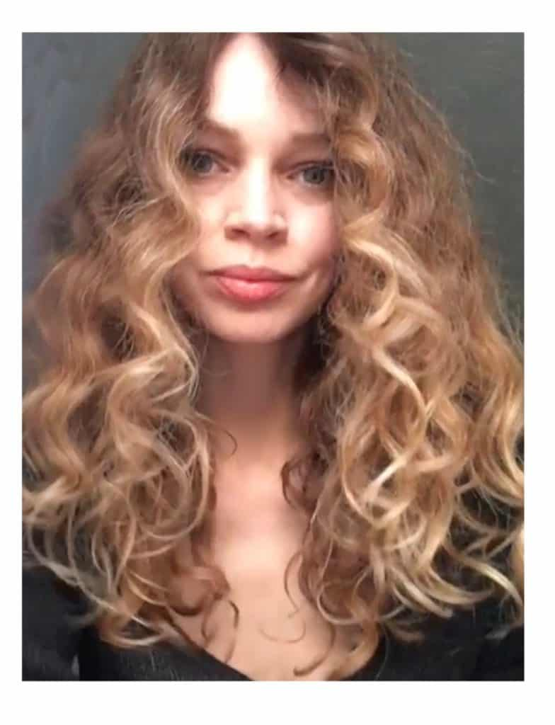 Finished look styled curly hair without heat
