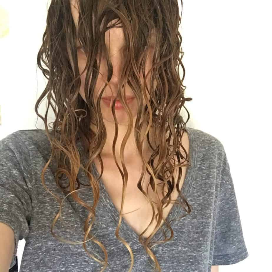 waiting for gel cast to form on wavy hair for curly girl method