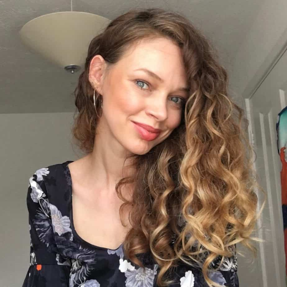 how to moisturise curly hair