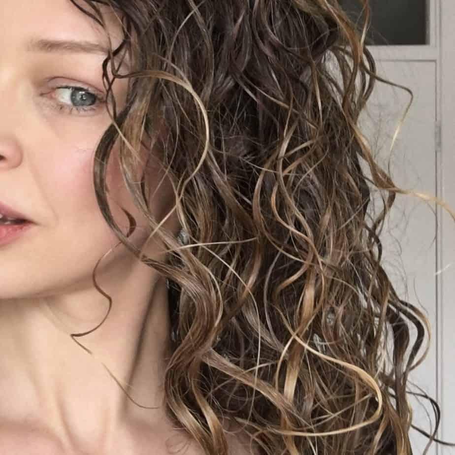 gel cast on curly hair